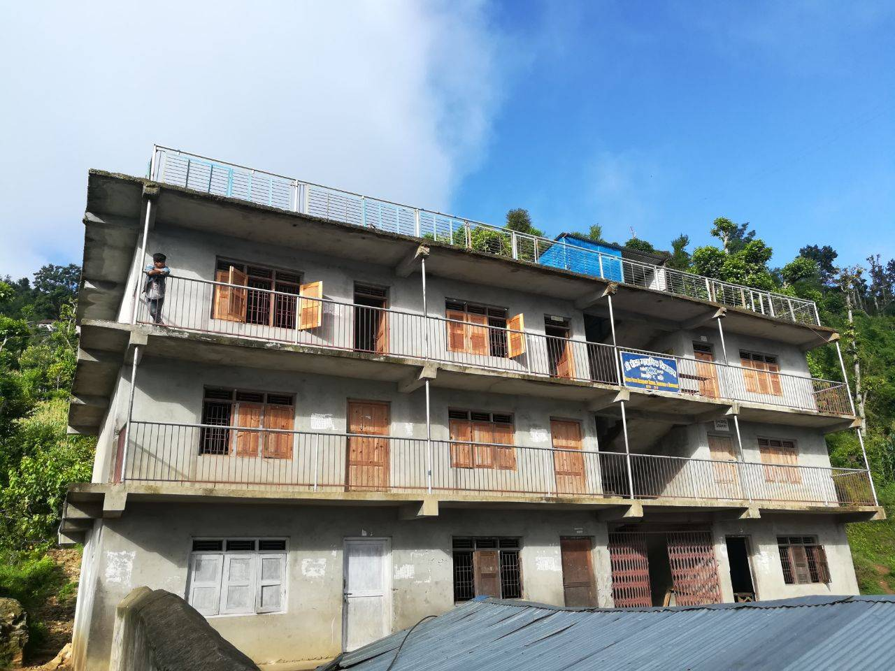 Unsere Primary School In Amalbas Erhielt Eine Großzügige Spende In Höhe Von  2000,00 U20ac Aus Dem Spendenlauf Der Partnerschule In Neufahrn.